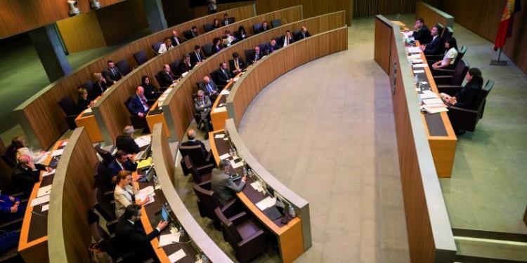 L'oposició critica les presses del Govern per les transferències