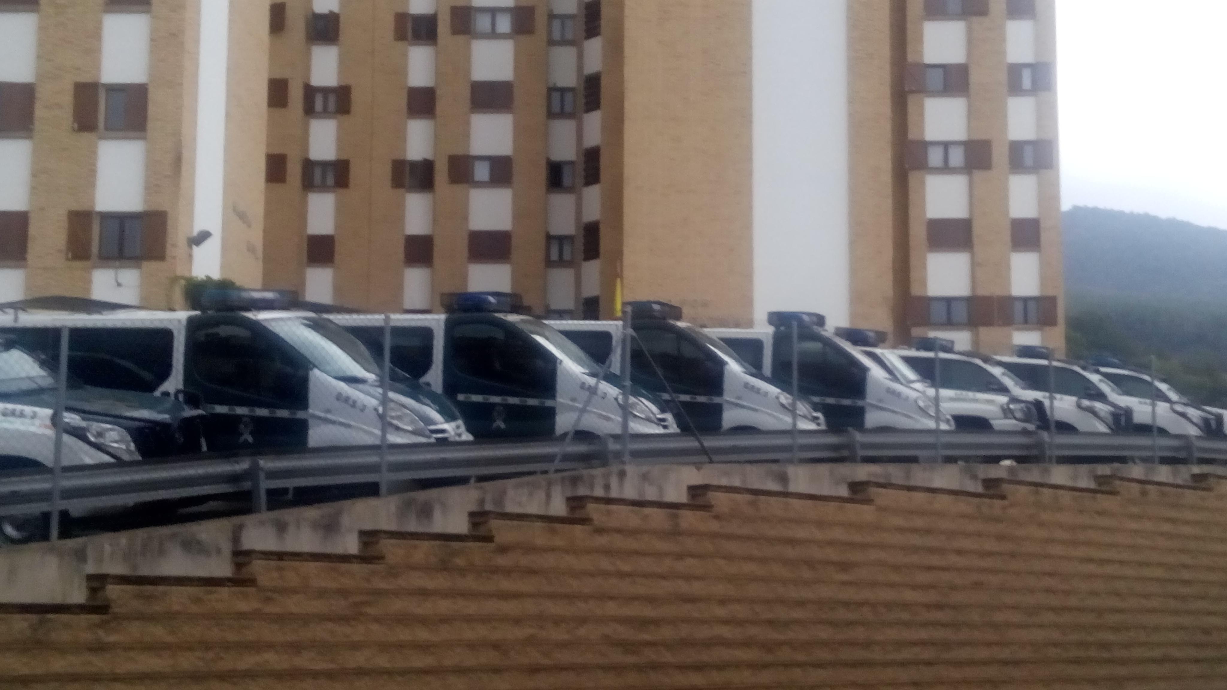 Guàrdies civils arriben a la Seu per donar suport als mossos