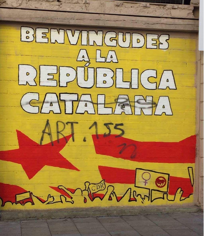 Pintades a la Seu contra 'la República catalana'