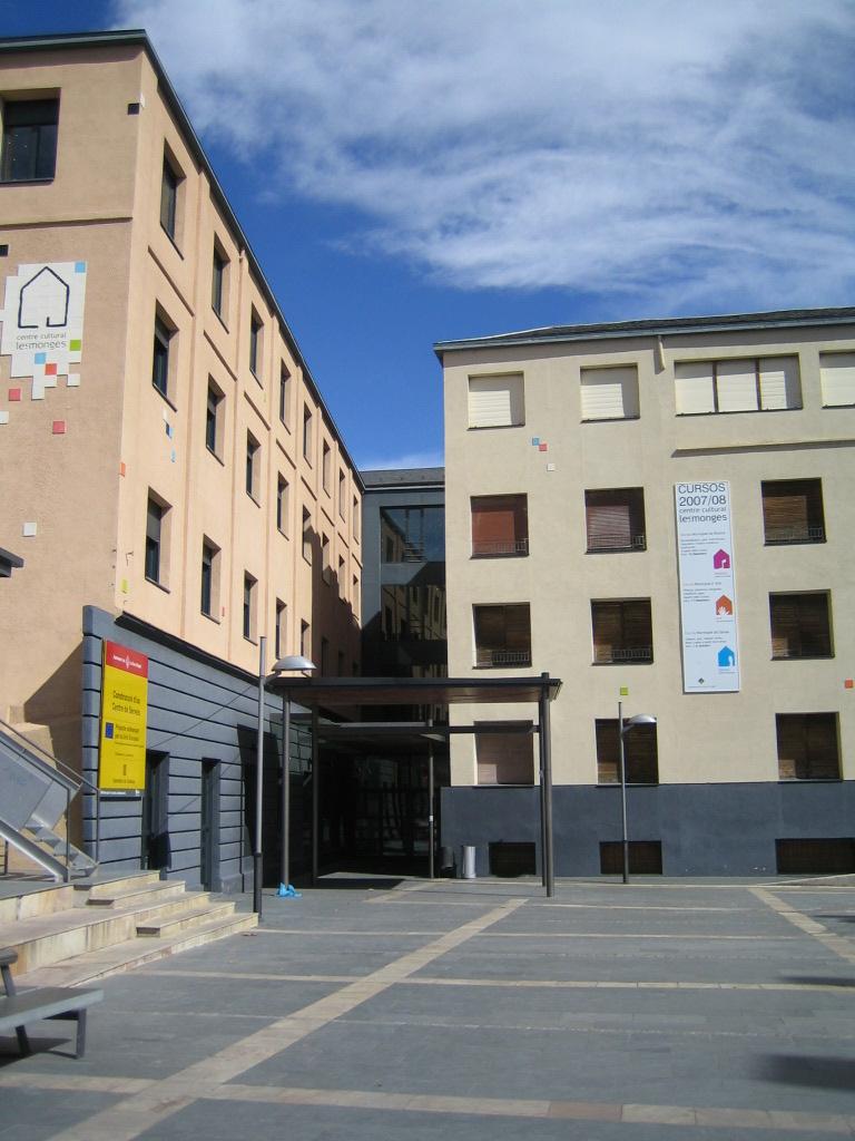 Indignació veïnal per la proposta d'ERC de canvi de nom de la plaça de les Monges