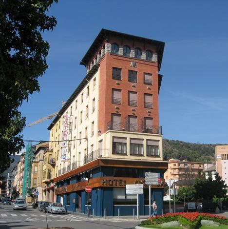 L'hotel Avenida de la Seu defensa la presència de guàrdies civils