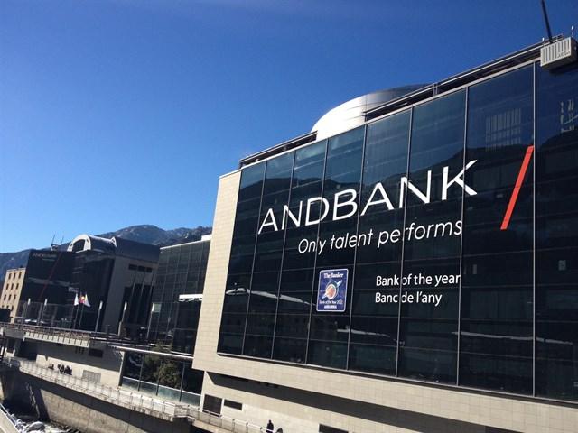 Andorra diu des d'avui adéu al secret bancari