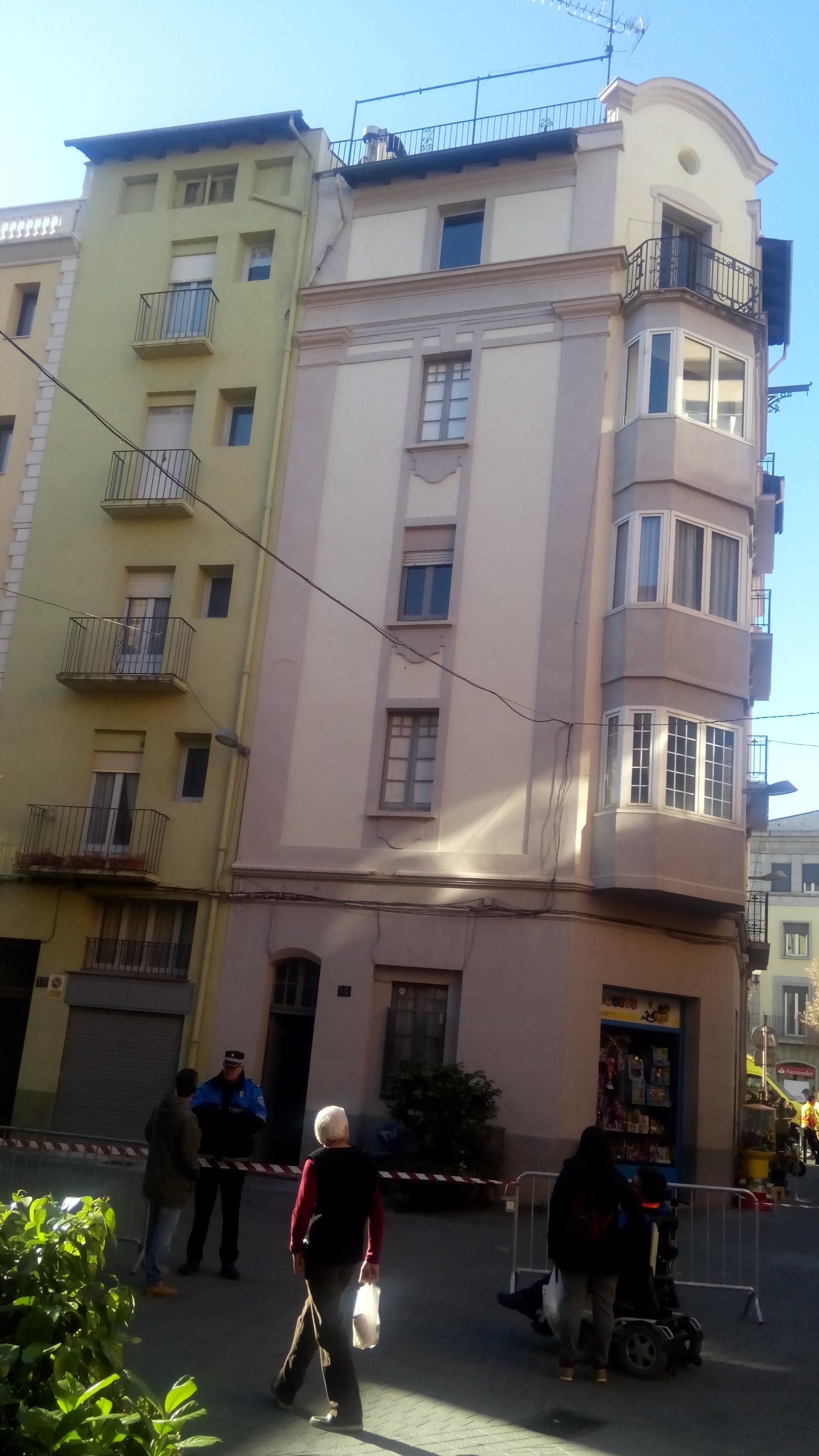 S'enfonsa el sostre d'un edifici a la Seu d'Urgell