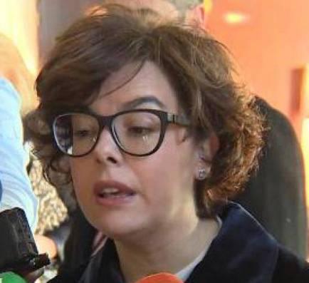 """Sáenz de Santamaría: """"no es pot ser president des de les Bahames"""""""