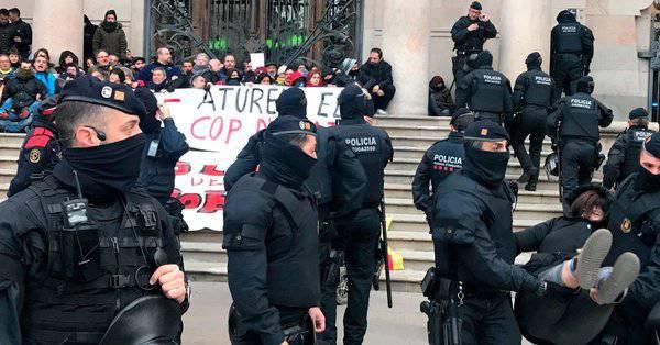 Vetlla pels 14 activistes dels CDR