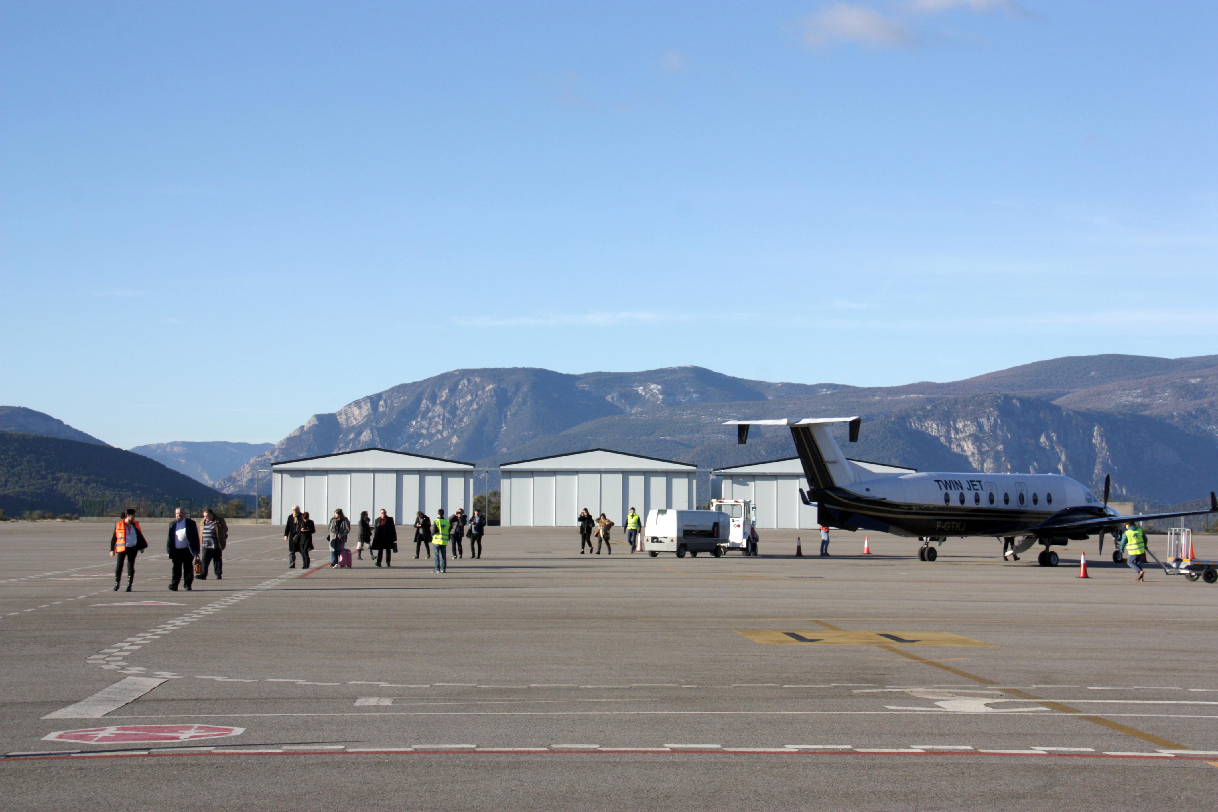 L'aeroport de la Seu no ofereix, sense el GPS, prou confiança a pilots ni viatgers