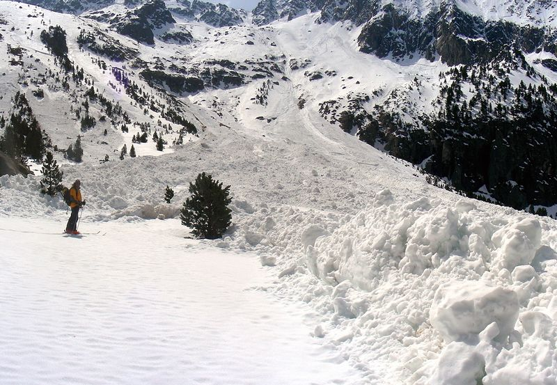 Dos esquiadors morts i un de greu en un allau a la Vall d'Aran