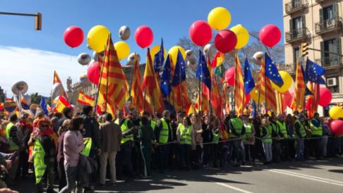 "Societat Civil Catalana reclama ""seny"""