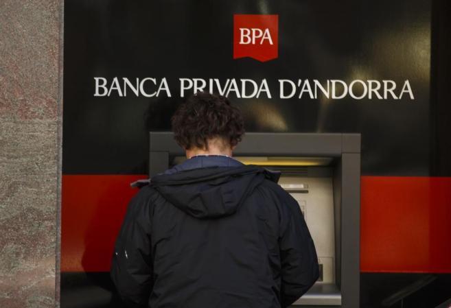BPA tenia una 'caixa b' on es van pagar 46 milions d'euros a 120 directius i intermediaris
