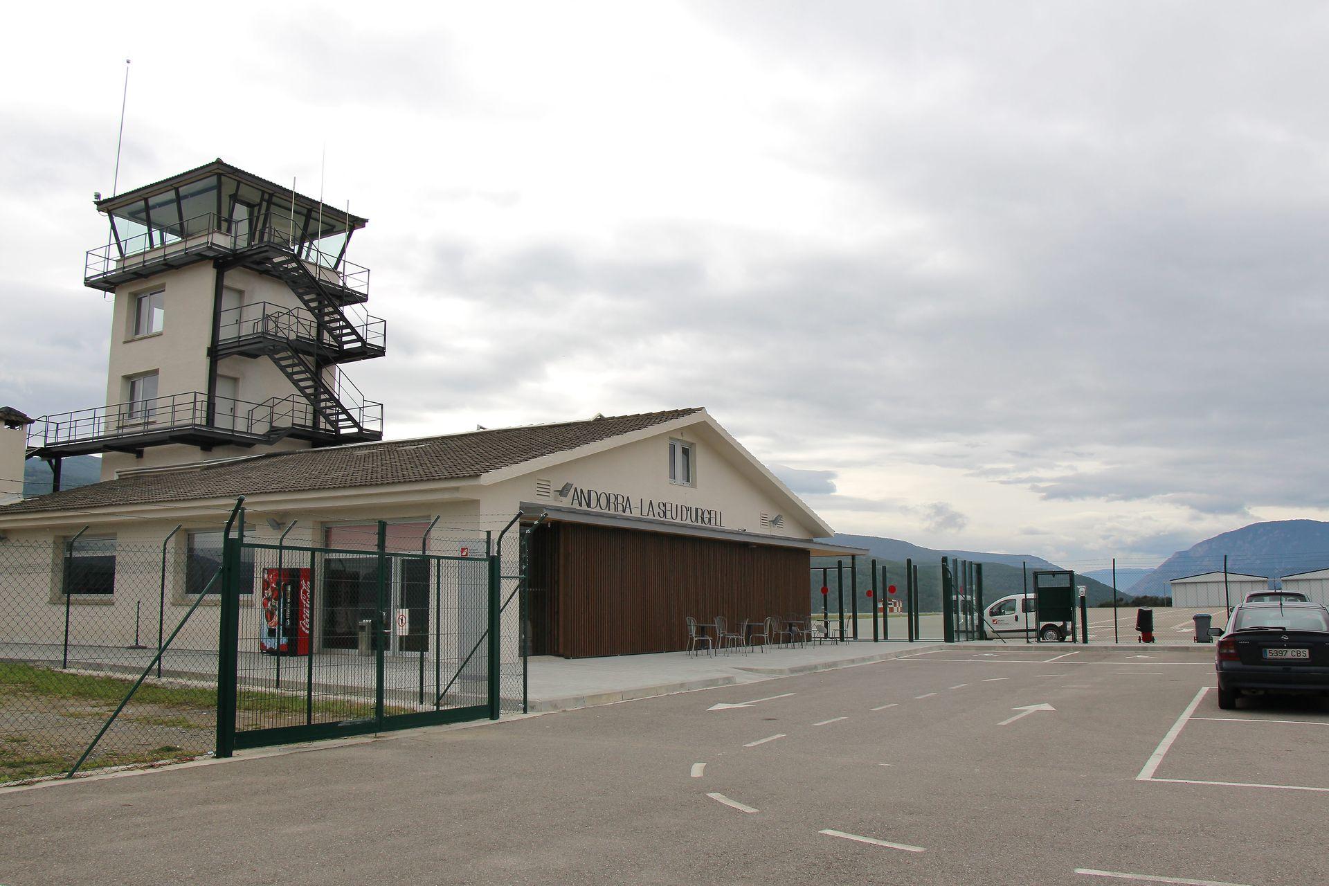 Dues companyies reclamen el GPS per volar des de l'aeroport de la Seu