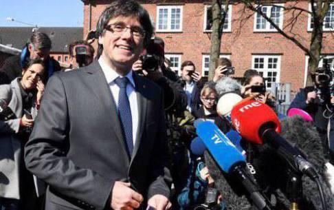 Puigdemont reclama la investidura de Sànchez