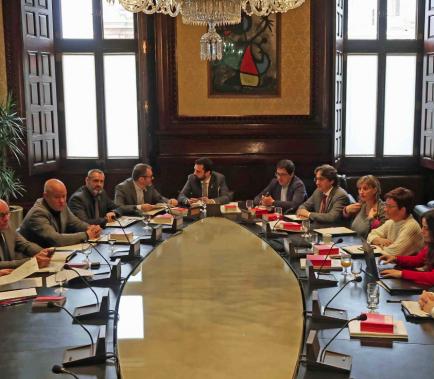 La Mesa del Parlament accepta el vot delegat de Puigdemont