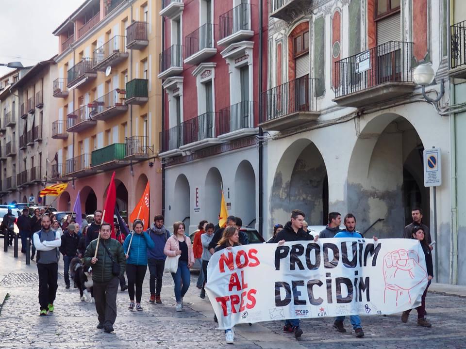 Una cinquantena de persones es manifesten l'1 de maig a la Seu