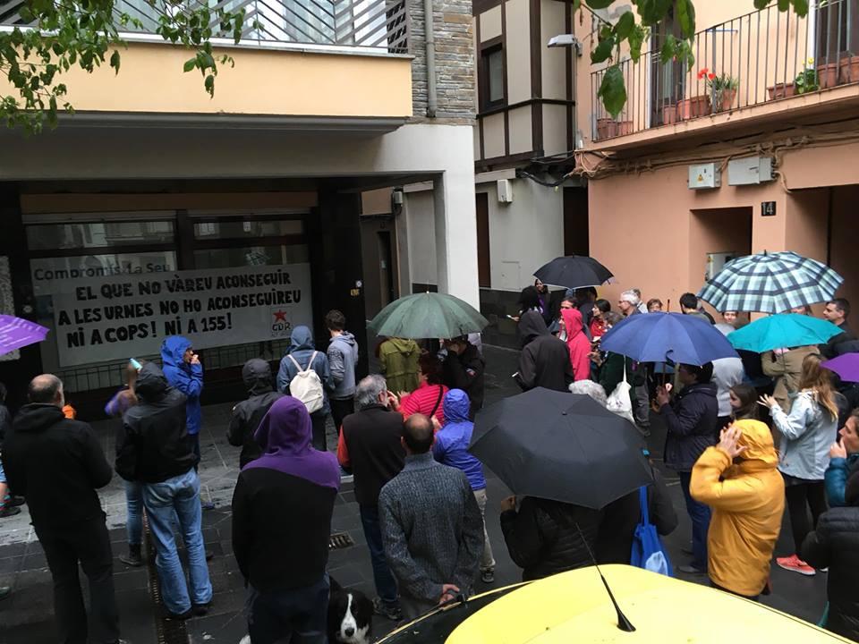 Compromís denuncia 'l'escrache' al seu local mentre l'alcalde Batalla no condemna els fets