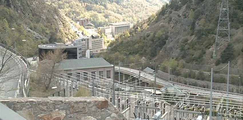 L'heliport es torna a allunyar d'Andorra