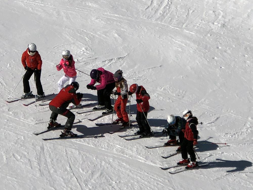 Ski Andorra s'estima més pagar multes que els sous que pertoquen als monitors