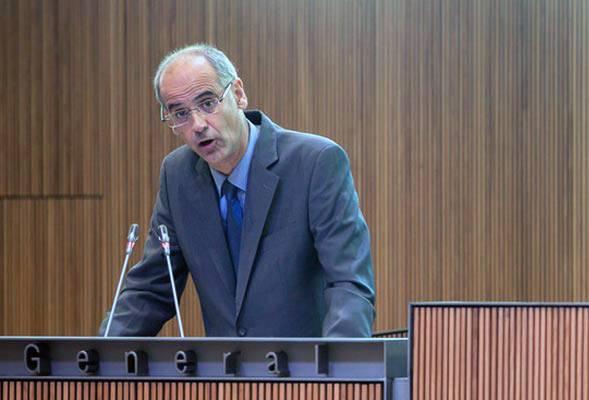 La precària situació econòmica del cap de govern hipoteca la política andorrana