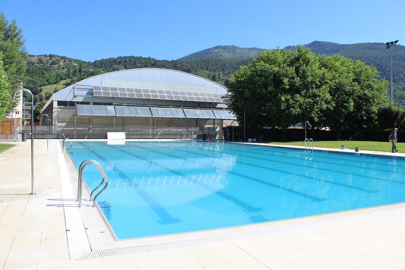 Recollida de firmes en demanda d'una piscina municipal coberta a la Seu