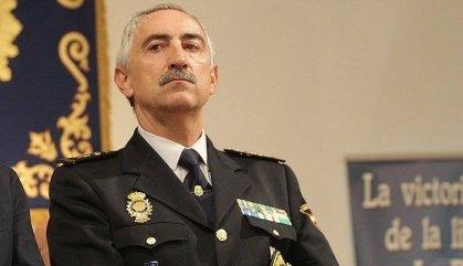 El cap de la Policia Nacional a Navarra insulta polítics per Twitter