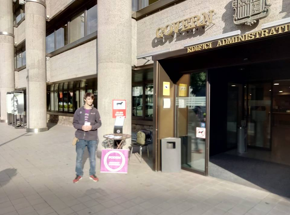 Podem Andorra torna a activar la campanya 'Vampirs a l'escola'