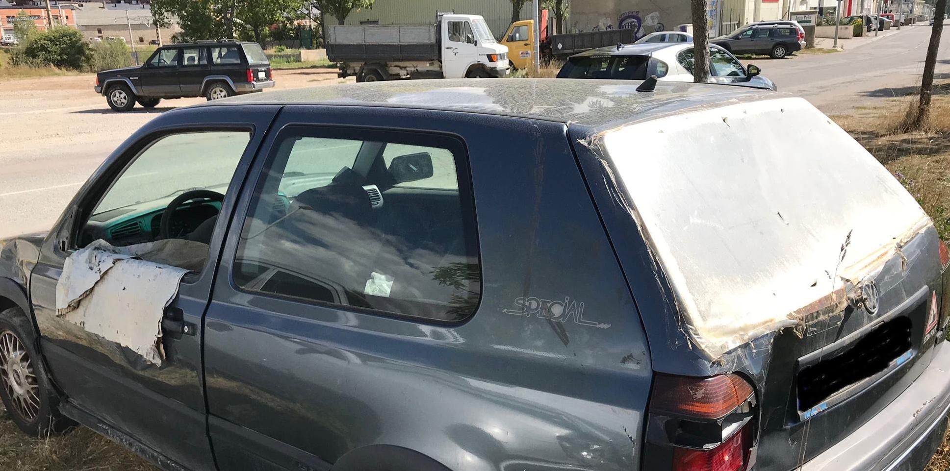 Abandonament massiu de vehicles als carrers de Puigcerdà
