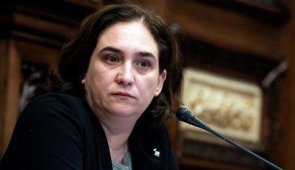 Colau s'indigna amb Torra per les tisorades en Habitatge
