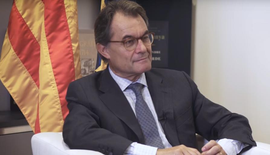 """Artur Mas diu que l'alcaldessa de Berga fa """"una desobediència de cartró pedra"""""""
