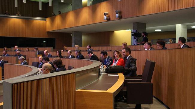 L'oposició titlla d'electoralistes les mesures de Martí