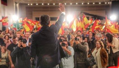 Les dretes sumen a Andalusia gràcies a la irrupció de Vox