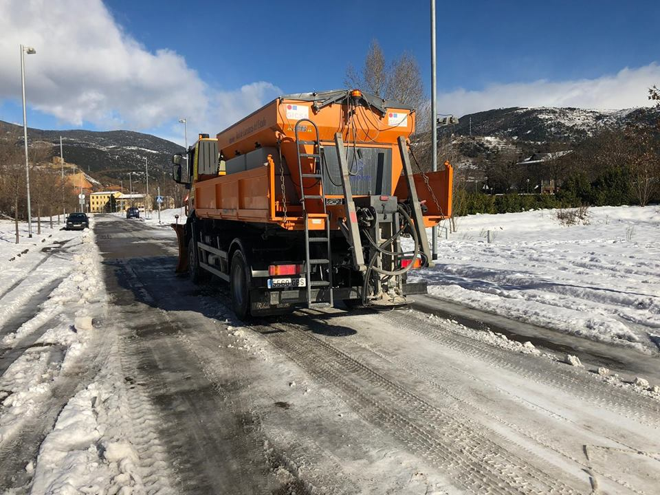 L'ajuntament de la Seu no se'n surt i recorre a l'ajut del Ministeri de Foment per retirar la neu