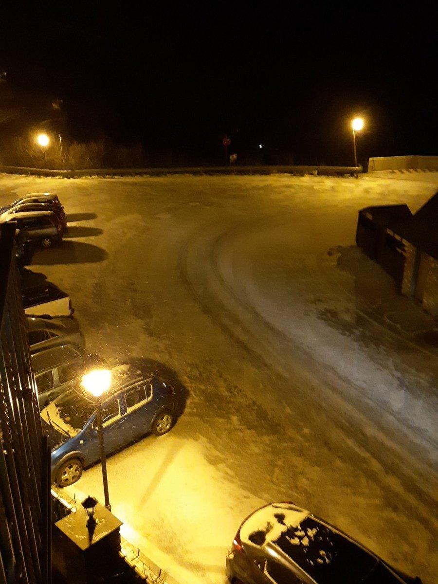 Cauen en picat les temperatures, les primeres nevades de l'any i fortes ventades