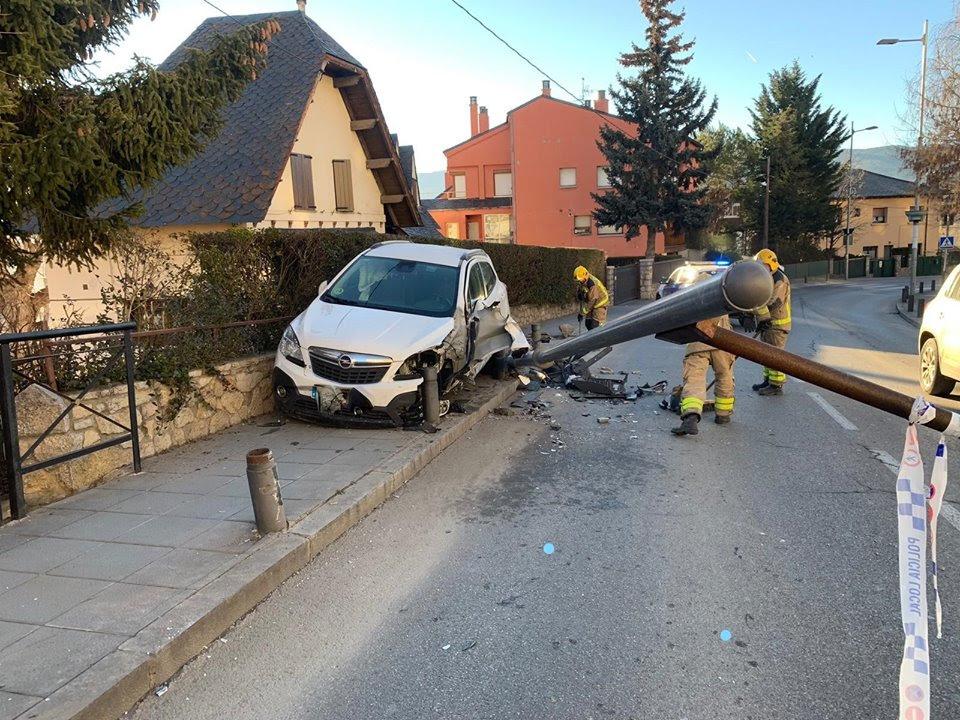 Aparatós accident de trànsit, sense víctimes mortals, a Puigcerdà