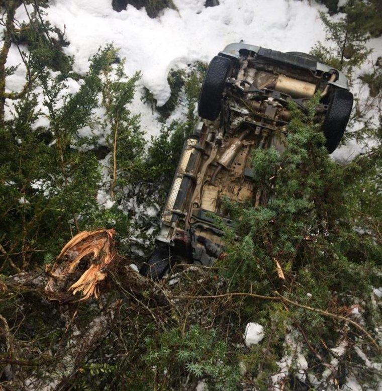 Se salva després de caure amb el seu cotxe per un desnivell de 150 metres a Bellver