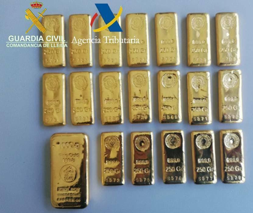Confiscats lingots d'or per valor de 258.000 euros a la duana de la Farga de Moles