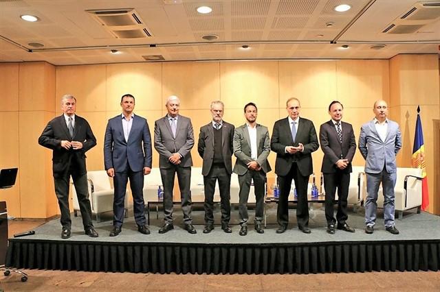 L'oposició  acusa Espot d'actuar amb 'opacitat' en negociar  l'acord d'associació amb la UE