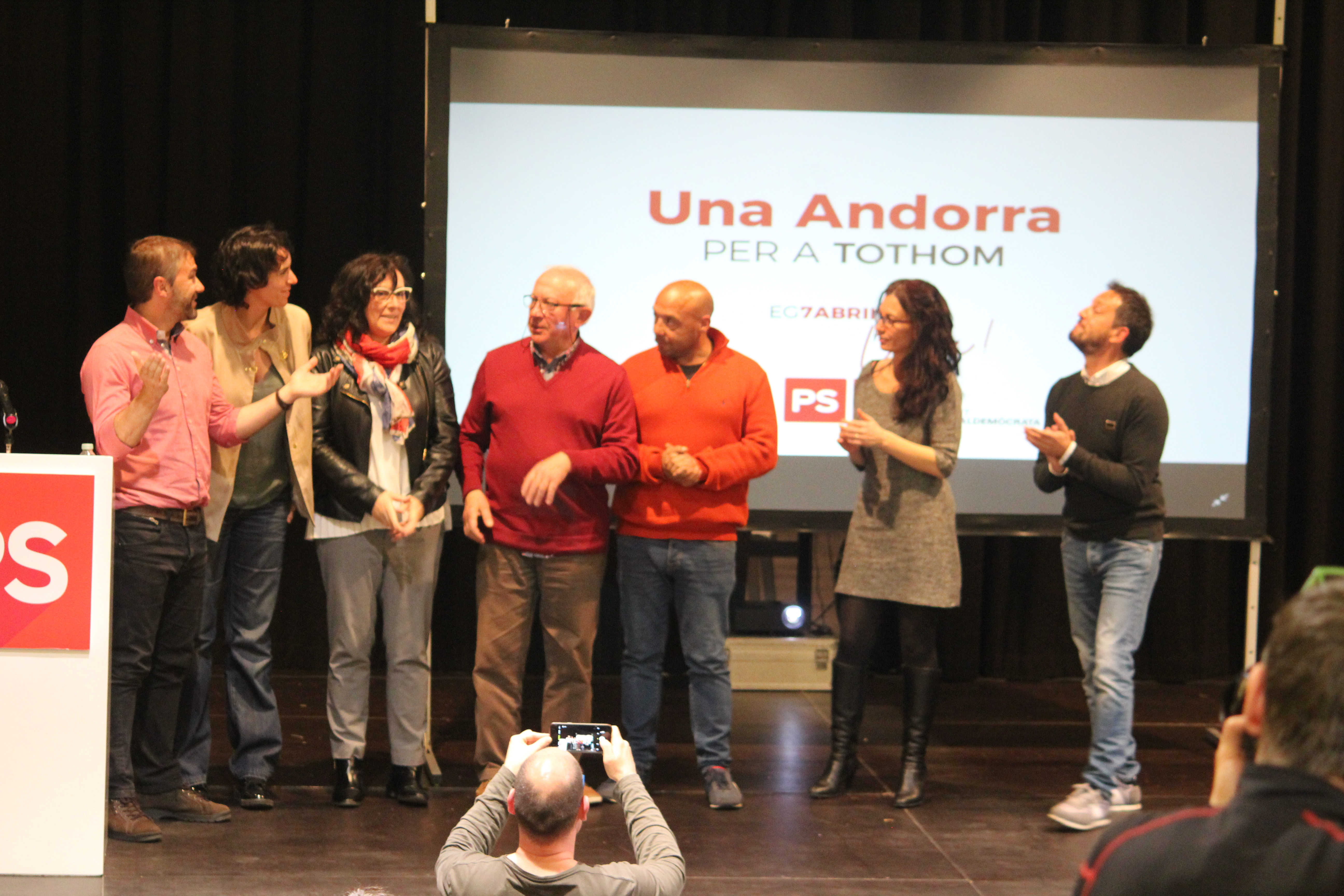 Eleccions 7-A: López es compromet a formar un Govern paritari