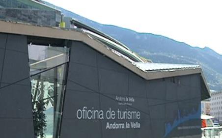 El turisme a Andorra perd impuls i no 'tiren' el comerç i l'hoteleria