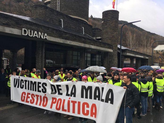 """Els sindicats acusen el govern de Martí de fer una """"darrera maniobra indignant"""""""