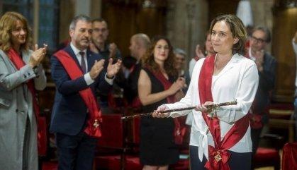 Colau revalida l'alcaldia de Barcelona