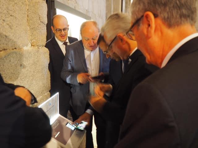 Vives autoritza que les esglésies de la diòcesi d'Urgell tinguin caixers bancaris