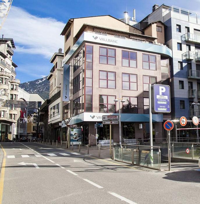 Els comerciants del centre històric reclamen a Espot el retorn de les parades de bus