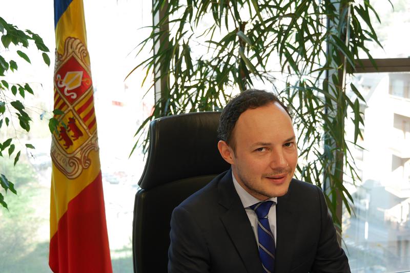 L'AREB maniobra a favor de la tieta del cap de govern, Xavier Espot