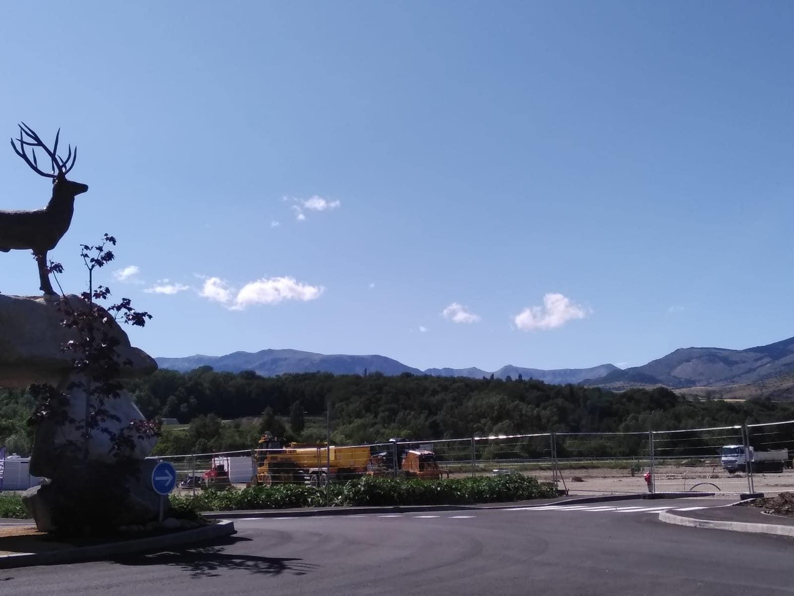 Carrefour obrirà portes en tres mesos a Ur-Puigcerdà amb la incògnita del Decathlon