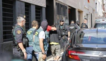 Els CDR detinguts passen la nit a una caserna de la Guàrdia Civil a Madrid