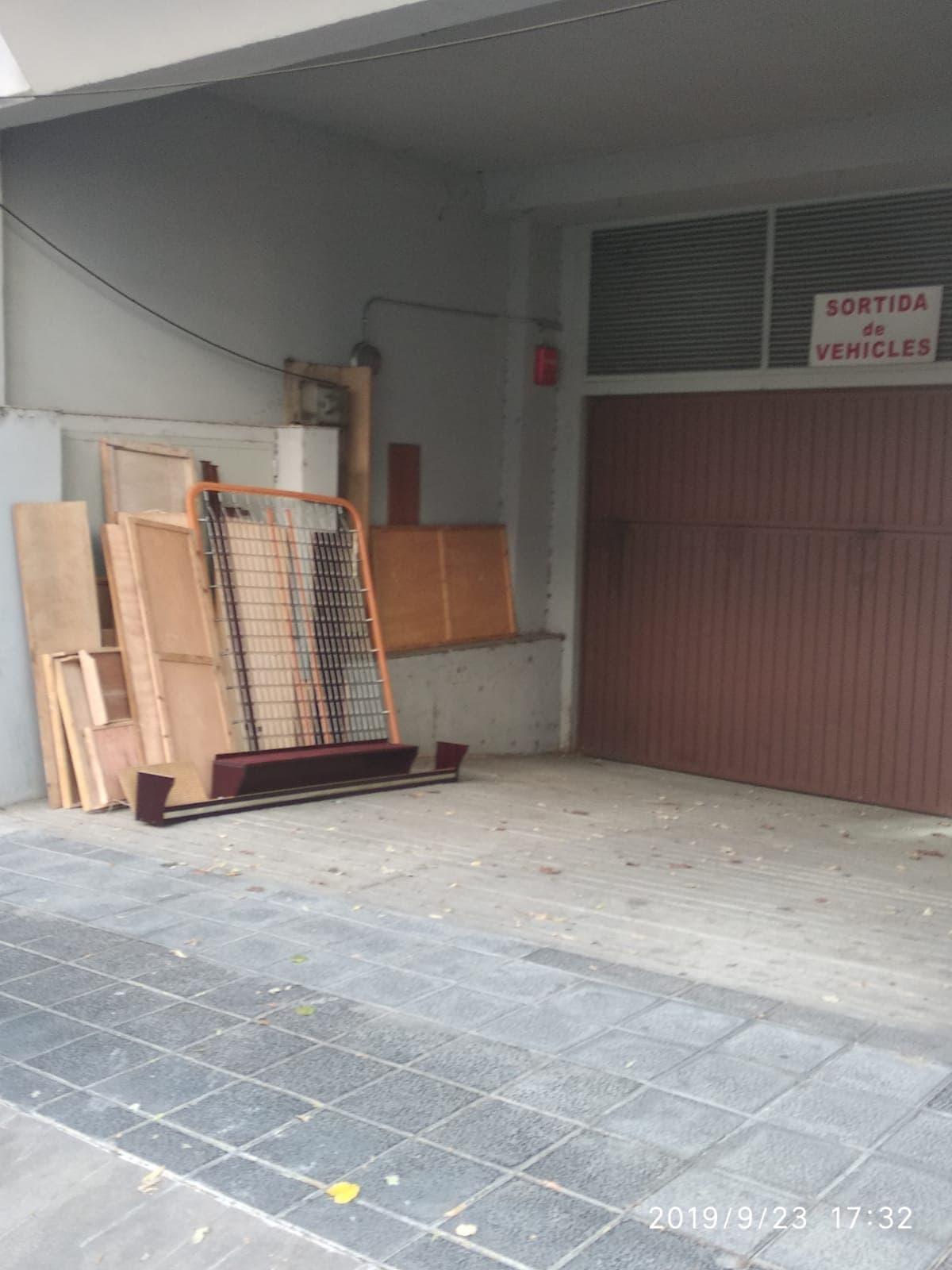 Detenen una persona per intentar ocupar un altre pis de la plaça Europa de la Seu