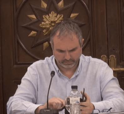 Fàbrega no defensa als treballadors municipals per 'les notificacions a les tombes'