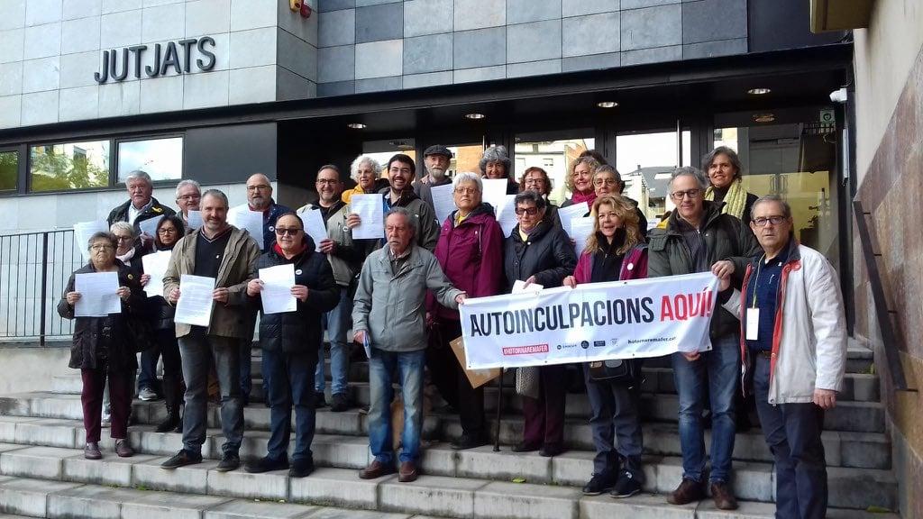 Fracassa la campanya d'autoinculpacions d'Òmnium