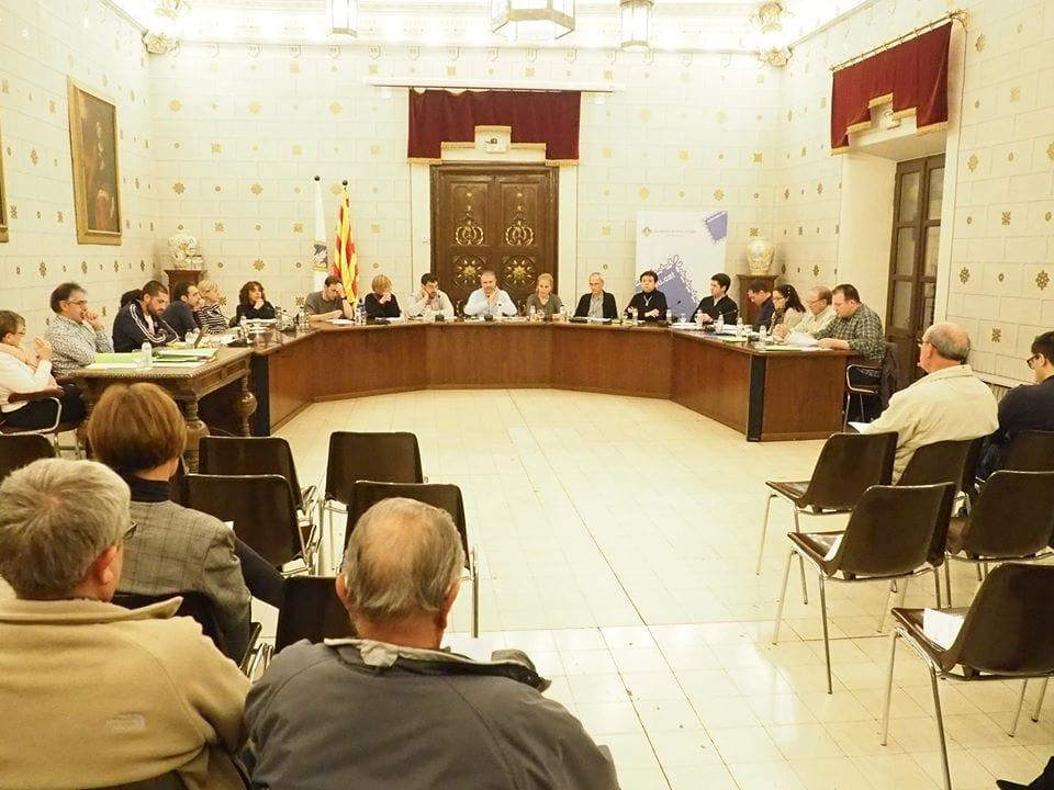 Les males maneres de fer política de Fàbrega contra el principal grup de l'oposició
