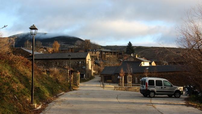 Els veïns d'Éller volen evitar que es puguin fer cases a l'entrada del poble ceretà