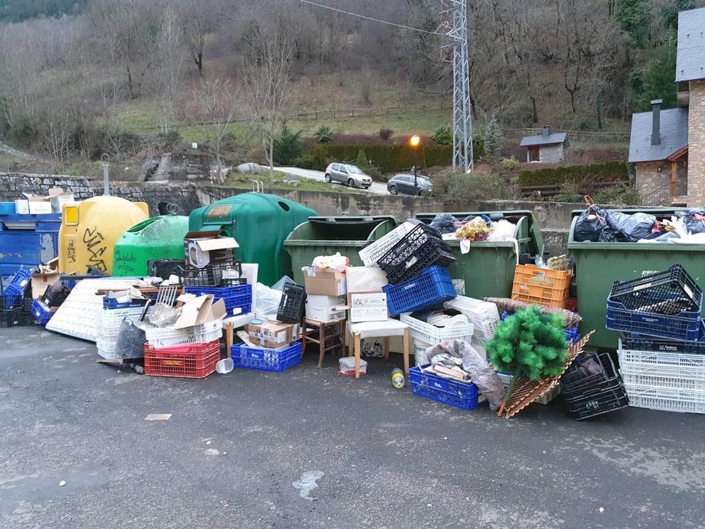 Crida al civisme per evitar que es desbordin els contenidors a l'Aran